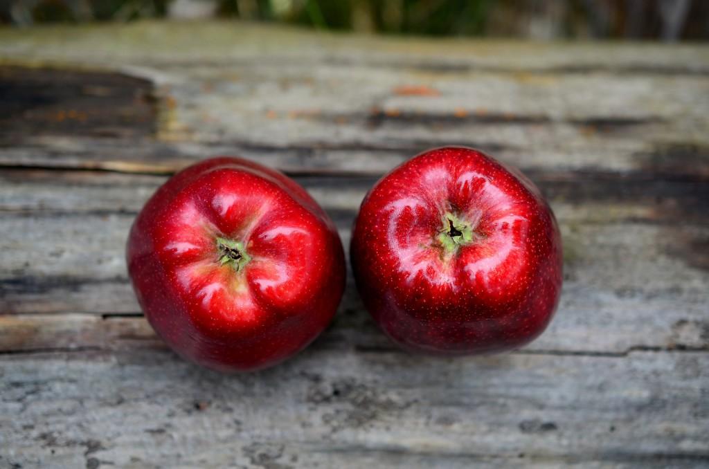 Reife rote Äpfel für türkischer Apfeltee